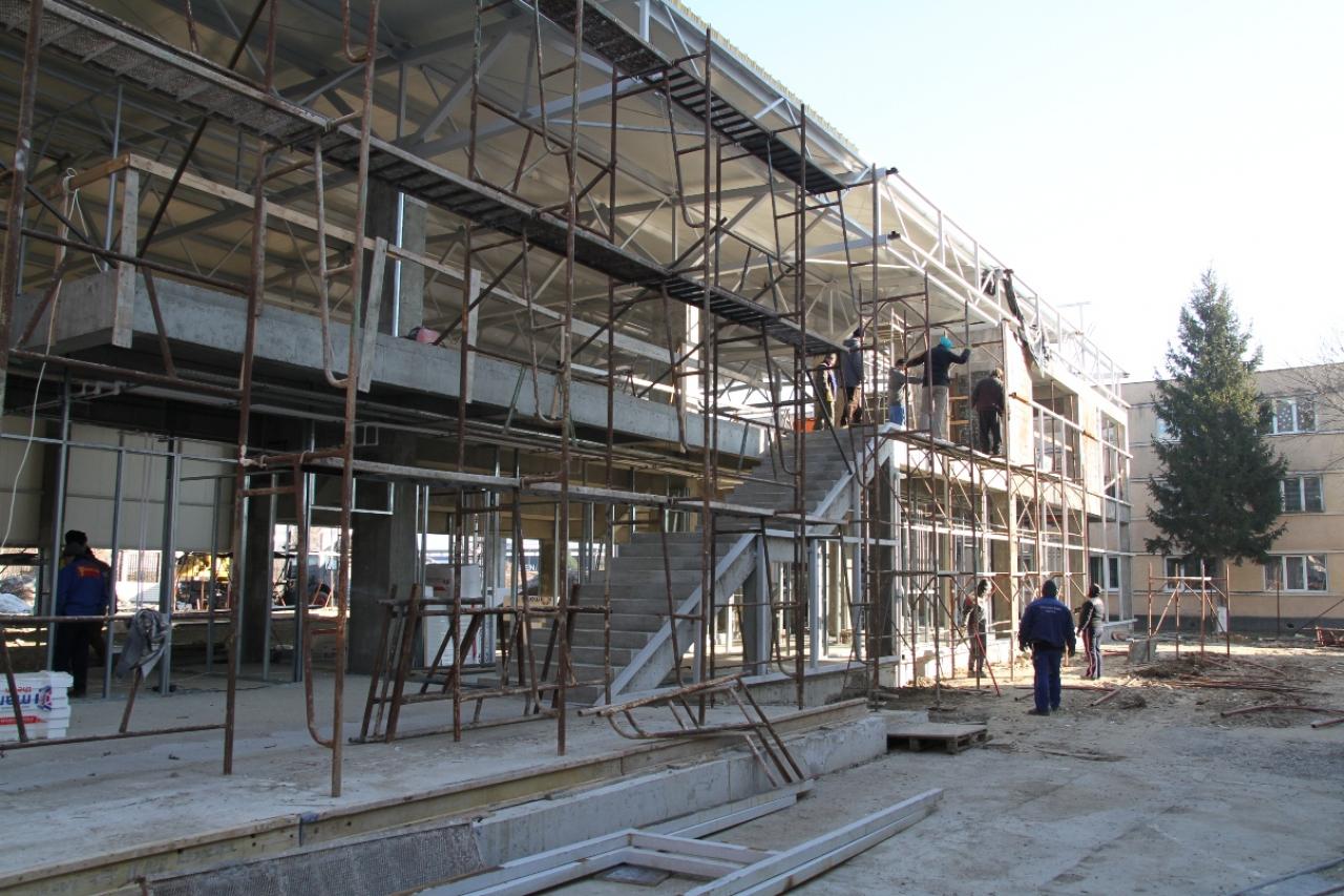 Patru construcţii şcolare noi vor fi finalizate în Râmnic în cursul anului 2020